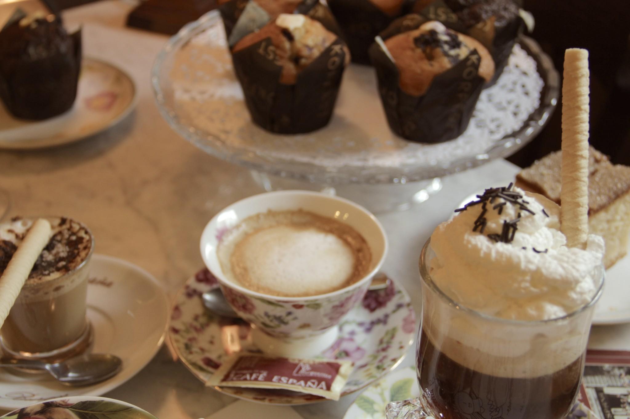 """""""ese café que parece siempre el comienzo de todo"""""""